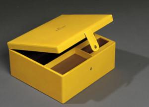 pu-leather-gift-box-making-in-dubai